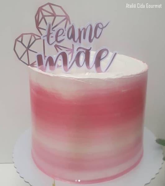 bolo rosa com topo dia das maes
