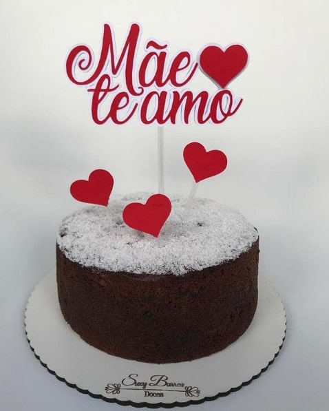 bolo de chocolate com topo mae de te amo