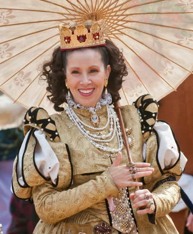 fantasia dourada de rainha medieval