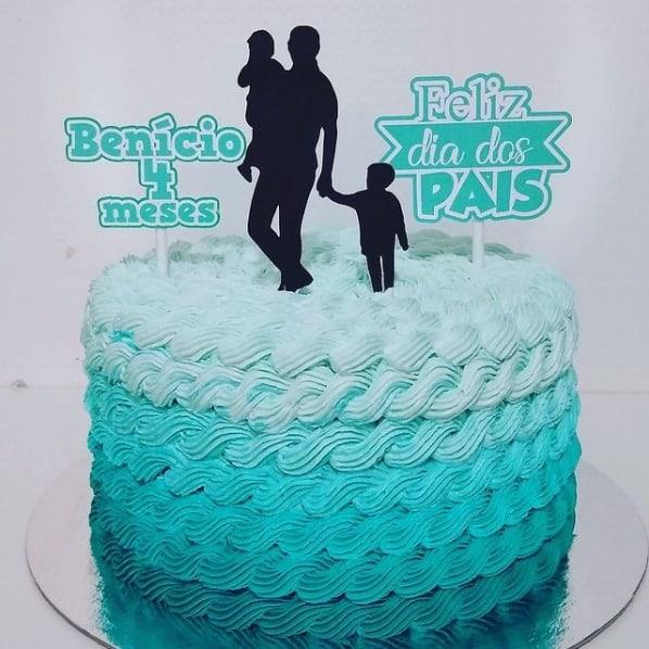 bolo degrade com topo de pai e filhos