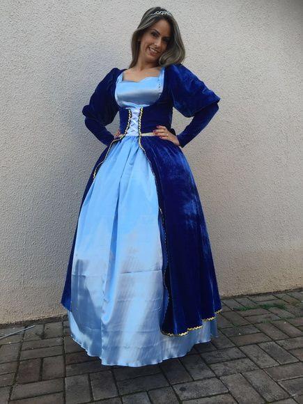 fantasia de rainha medieval com vestido rodado