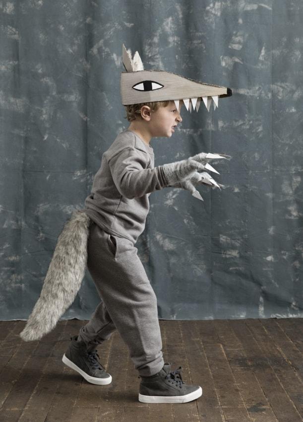 fantasia infantil improvisada de lobo