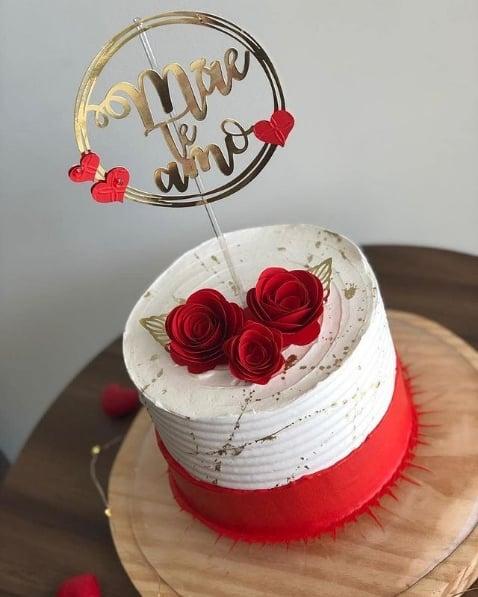 topo de bolo dia das maes com rosas de papel