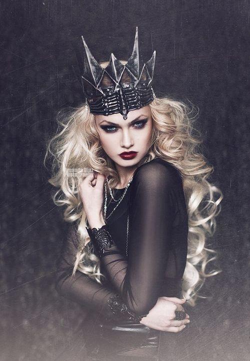 ideia para fantasia de rainha das trevas