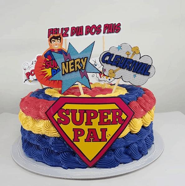 bolo colorido com topo super pai