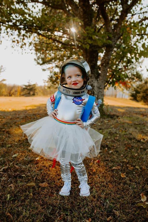 fantasia de menina de astronauta com saia de tule
