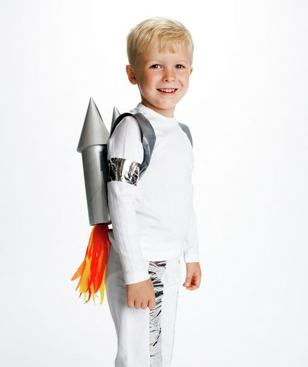 fantasia simples de astronauta para menino