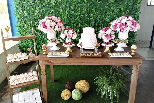 decoracao classica e simples para bodas de porcelana