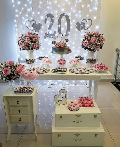 decoracao em branco e rosa para 20 anos de casamento