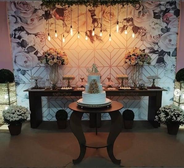 festa com decoracao moderna para bodas de porcelana