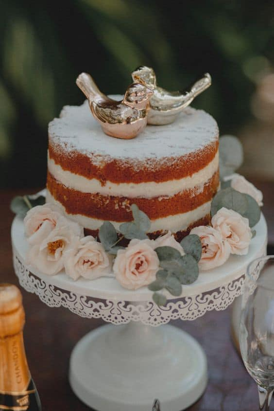 naked cake para bodas de porcelana