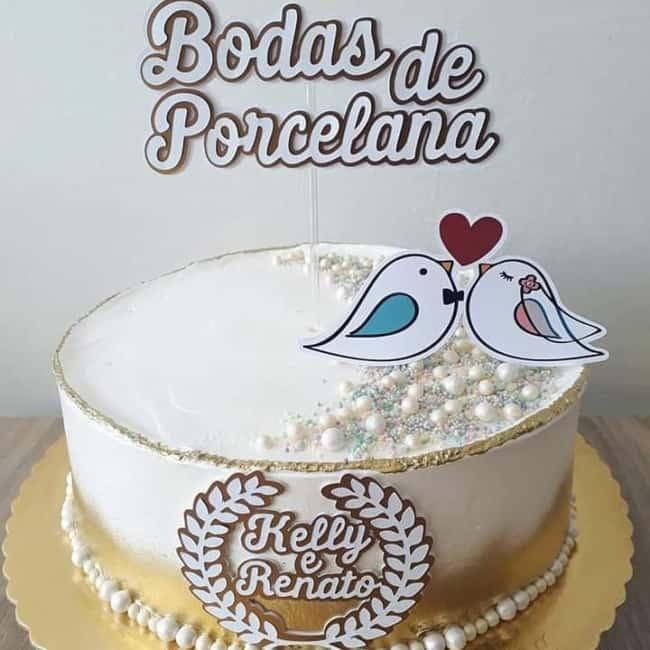 bolo de chantilly decorado para bodas de porcelana