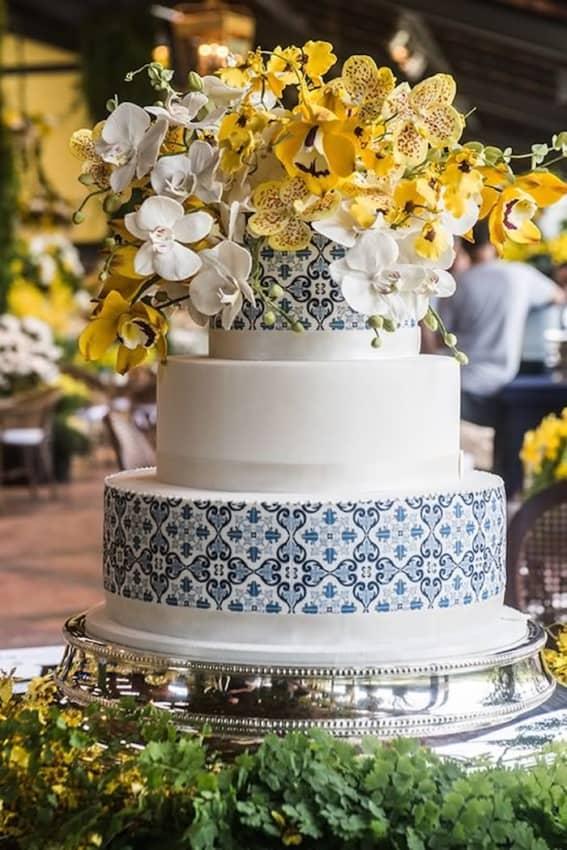 bolo de 3 andares para bodas de porcelana