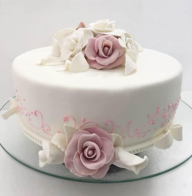 bolo de pasta americana para bodas