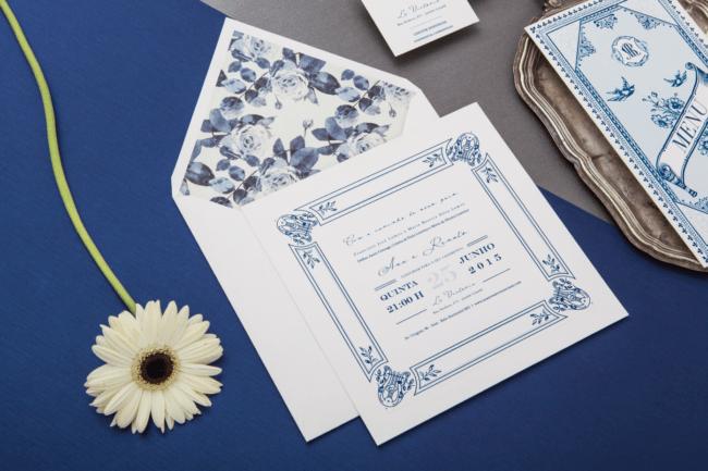 convite azul para bodas de porcelana