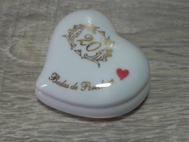 lembrancinha de porcelana para 20 anos de casamento