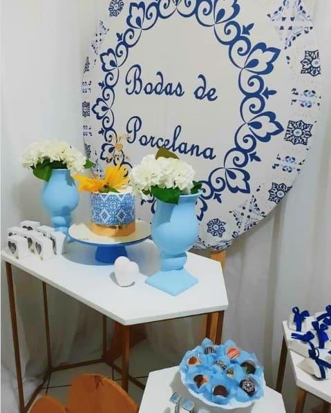 decoracao em azul para bodas de porcelana