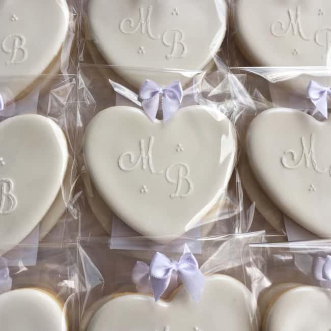 biscoito decorado para lembrancinha de bodas de casamento