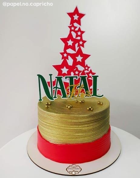 decoracao de bolo com topper de feliz natal