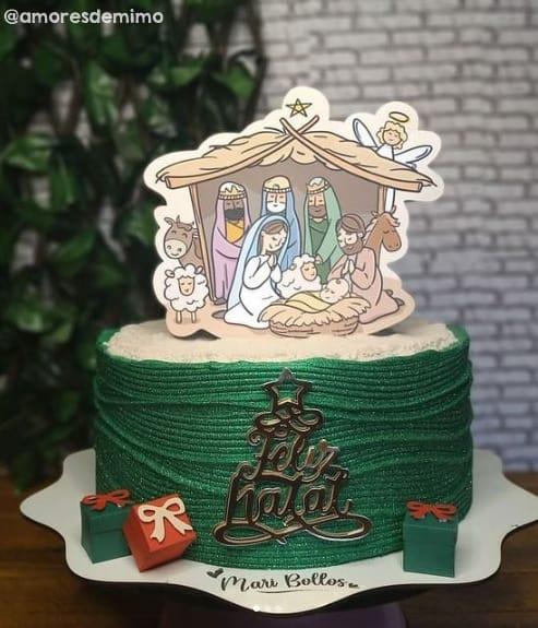 bolo de natal decorado com topper de presepio