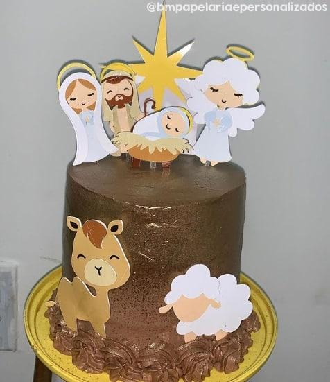 decoracao de bolo com topper de presepio