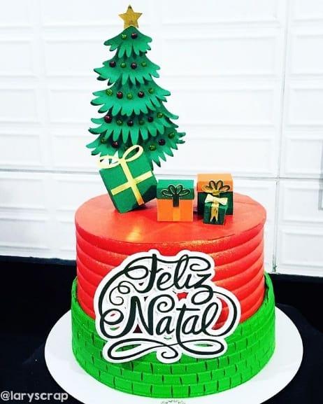 arvore de natal decorando topo de bolo