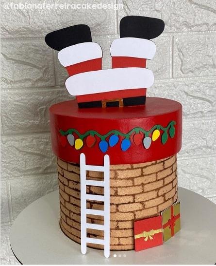 bolo de chamine com topo de Papai Noel