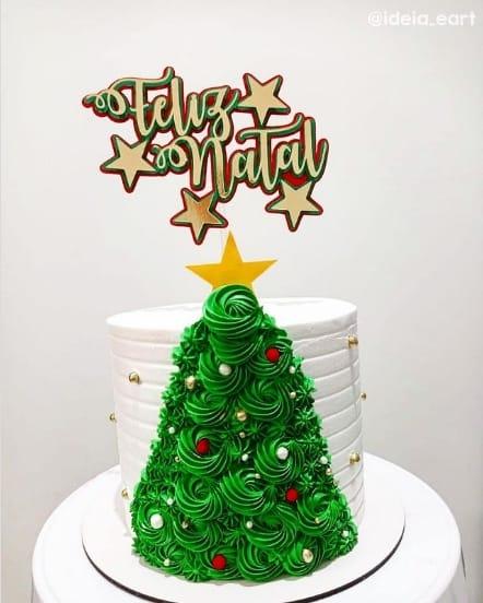 bolo tematico com topper de feliz natal