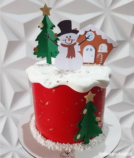 bolo natalino com topper de boneco de neve